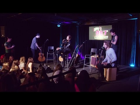 5 Seconds Of Summer - She Looks So Perfect (Live Acoustic)