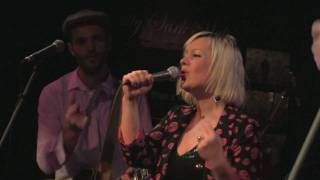 Alice Russell High Up On The Hook live in Athens