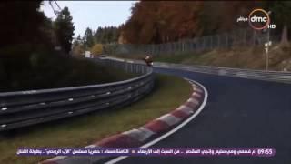 8 الصبح - فيديو لسيارة سباق قائدها يسير على