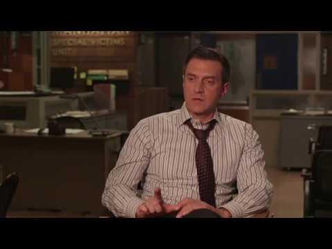 Law & Order: SVU | Raúl Esparza on 400th episode