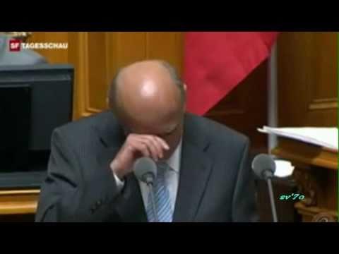 Hans-Rudolf Merz - Lachanfall Bü-hü-hündnerfleisch (Schweizer Parlament)