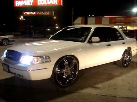 Crown Vic On 26s And Bags Youtube