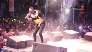 JUX apiga show ya kwanza Wasafi Festival/ Ona balaa lake jukwaani