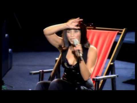 Sertab Erener - Kumsalda (live at her autobiographical concert)