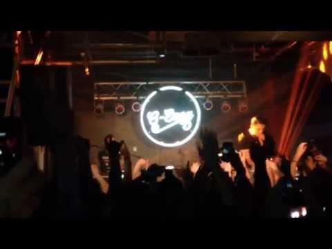 G-Eazy Performs