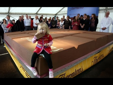 The Biggest Chocolate In The World Chicago Youtube
