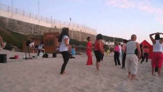 aula de zumba na praia de s pedro de moel