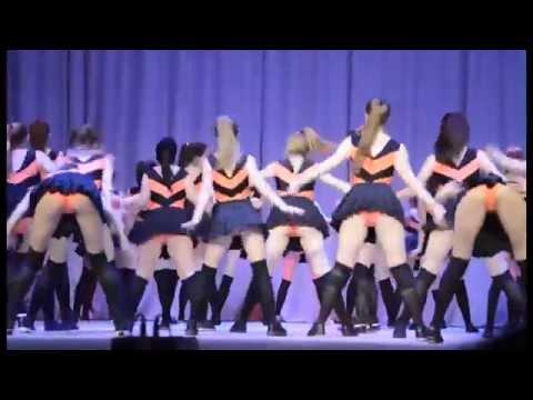 голенькие танцующие школьницы