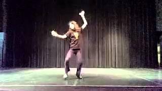 4月27~29日、第6回公演「ラストダンスはどなたに」にてストリッパーを演...