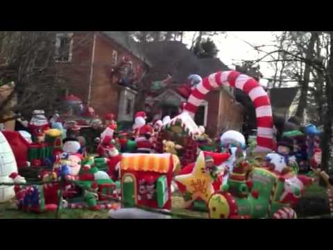 christmas outdoor inflatable extravaganza youtube - Outdoor Christmas Inflatables