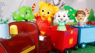 Daniel Tiger´s Toys 🐯 Daniel drives a train 😀🚂🌄