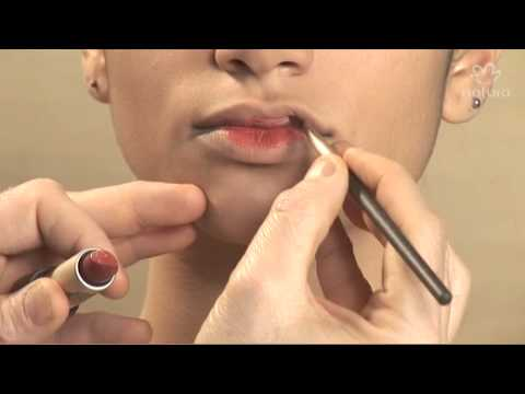 Como diminuir lábios grossos com batom
