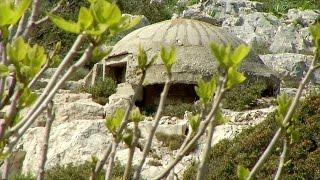 Засекреченную военную базу Албании откроют для туристов  (новости)(http://ntdtv.ru/ Засекреченную военную базу Албании откроют для туристов. Несколько десятилетий назад это место..., 2015-05-21T12:55:13.000Z)