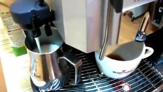 Кофемашина Saeco Royal Cappuccino RI9914/01(http://coffeeplus.com.ua/katalog/avtomaticheskaya-kofemashina/saeco-royal-cappuccino.html Эта автоматическая кофемашина идеально подойдет как для., 2014-04-26T08:54:43.000Z)