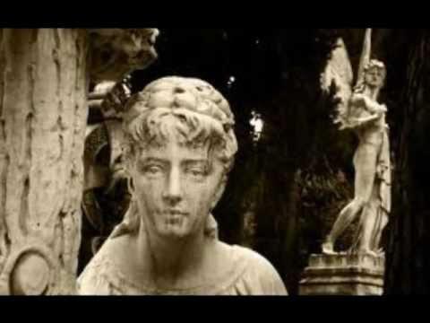 Musica di Tiziana Liperoti.Tra tenebre e frammenti di luce. Musica per arpa celtica.