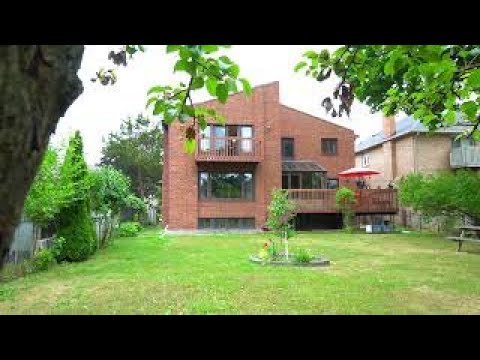 Detached House For Sale In North York 122 Northwood Dr.
