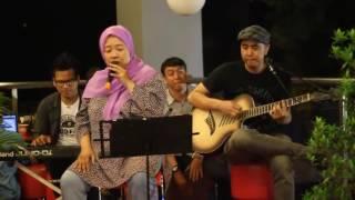 Ibu ibu nyanyi Prahara Cinta suaranya keren bgt (cover player by ameshagi) MP3