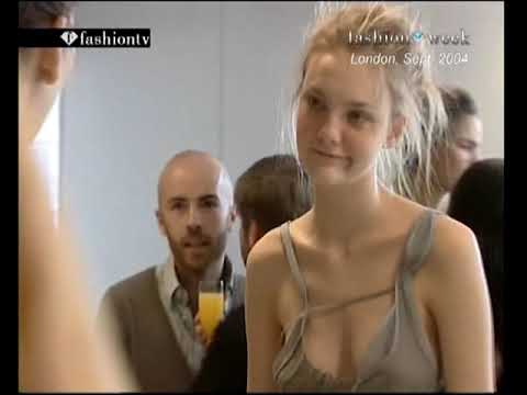 Best of Caroline Trentini fashion show 1