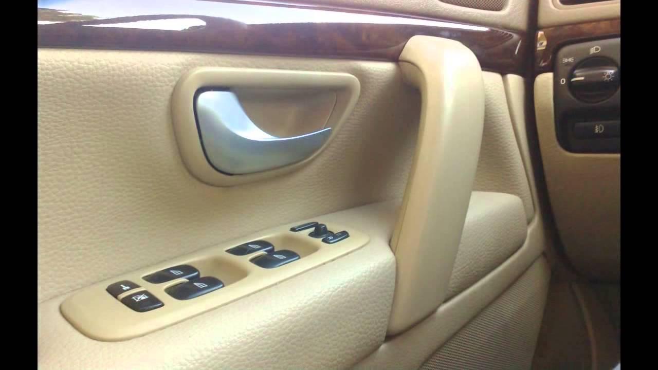 Restauraciones en asientos volantes y pl sticos de coche for Restaurar puertas de interior