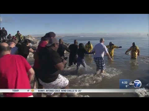 Polar Plunge canceled in Chicago, but Waukegan plunges on