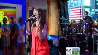 "Mandisa Sings ""Good Morning"""