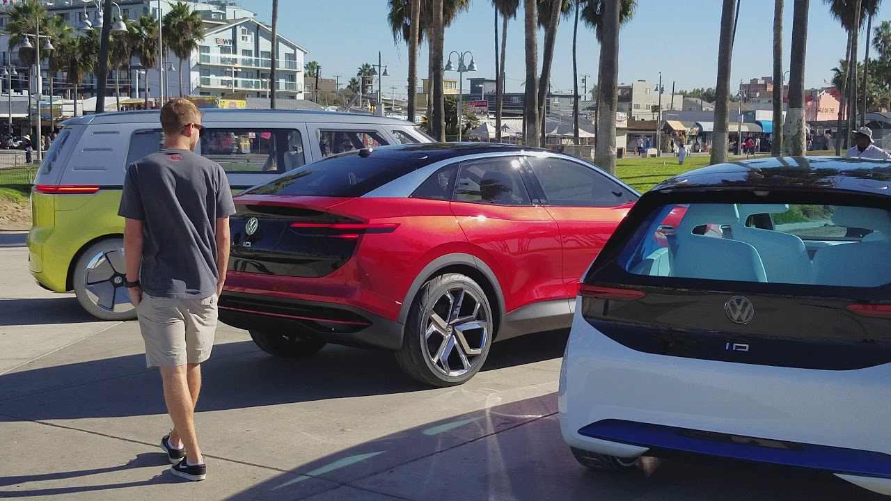 Autonomous unmanned cars at Venice beach - YouTube
