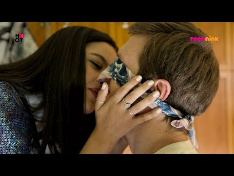 פוראבר: ספייס מנשקת את דודו | הרגעים הגדולים | טין ניק
