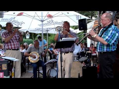 "Ruhr-River Jazzband plays ""Someday You'll Be Sorry"""