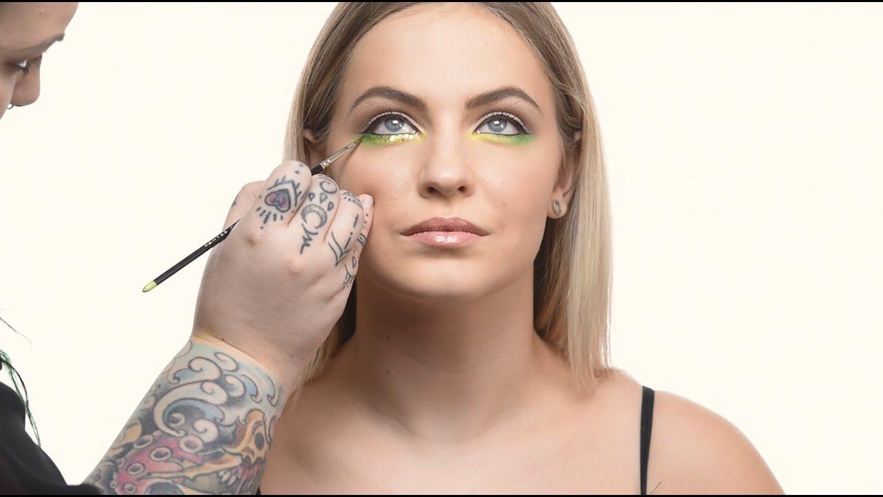 How to apply eyeliner on bottom lid (waterline) youtube.
