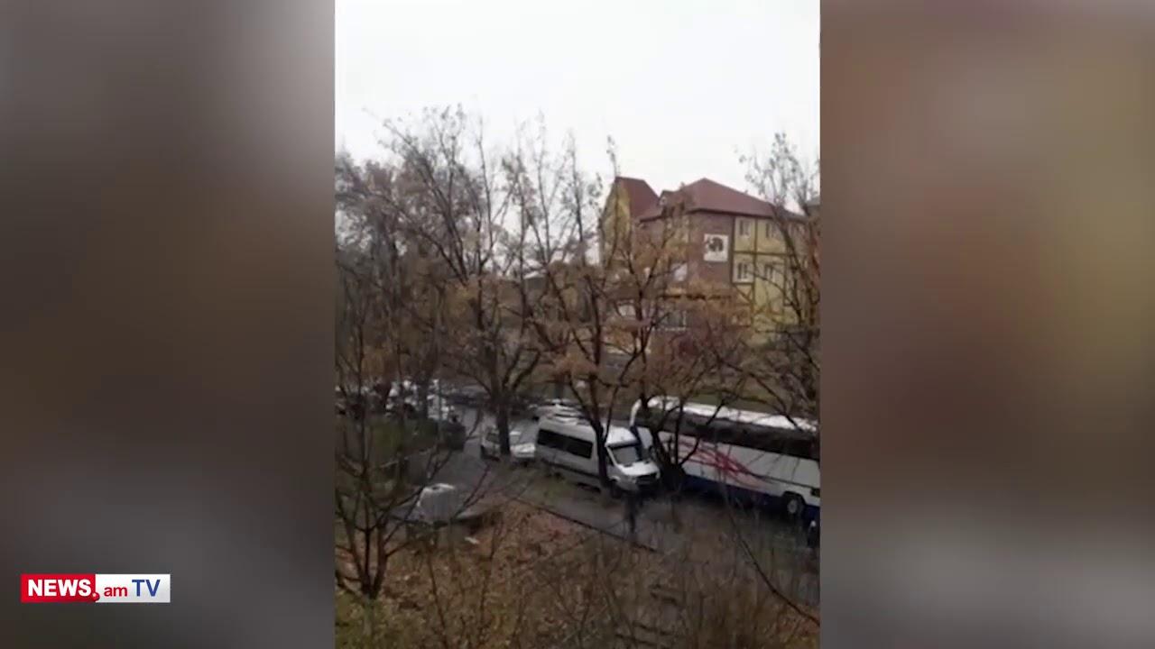 Տեսանյութ.ԱԺ-ի մոտ կայանալիք հանրահավաքին ընդառաջ ոստիկանությունն ահռելի ուժեր է կուտակել Դեմիրճյան փողոցում
