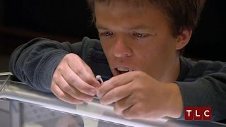 Zach Shopping for a Ring | Little People, Big World