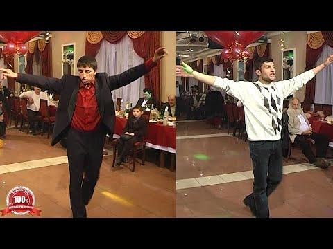 Цыганская молодежь танцует на приз. Свадьба Егора и Лиды