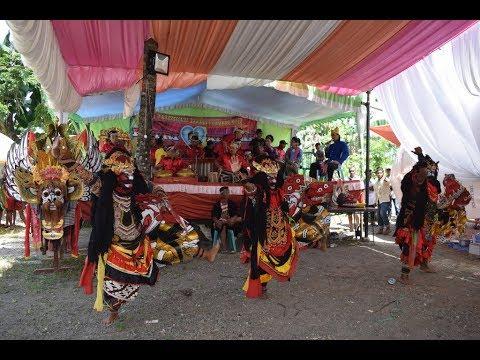 Seni Jaranan Tradisional Campursari Putri Kembar Cluring Banyuwangi 2018 di Jl Cemetuk