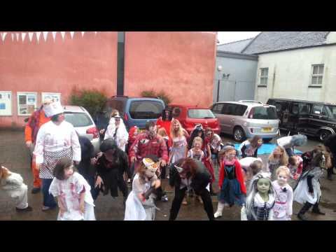 thriller flash mob lanntair 2013_001.3gp