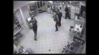 Драка в магазине Липецка(Драка несколько человек попала на запись камер видео наблюдения., 2015-01-04T15:13:49.000Z)
