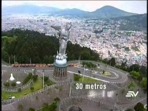 Ecuador desde el Aire - El Panecillo y la Virgen de Quito