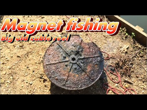 Magnet fishing found a big old cable reel magneetvissen for Magnet fishing tips