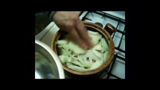 Кролик в сметане, приготовленный в духовке(Простой видео рецепт приготовления кролика в сметане, вкусного кролика в духовке - подробнее у меня на блог..., 2012-11-04T19:23:56.000Z)