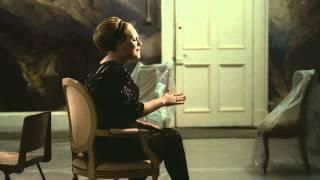 Смотреть клип Adele - Rolling In The Deep