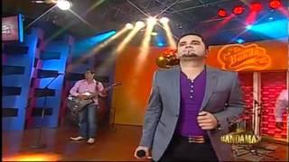 Roberto Jr. y Su Bandeno = Quiero Mas De TI Pa´La Banda Night Show