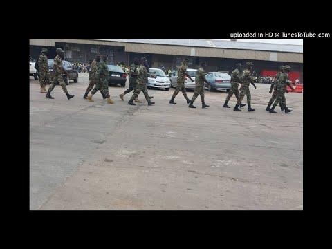 Des hommes en uniforme déployés à Togo Terminal, les employés en colère