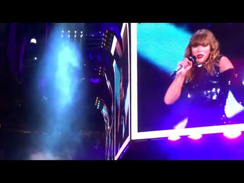 Taylor Swift - Love Story/You Belong With Me Live - Night #2 - Levi's Stadium - 5/12/18 - [HD]