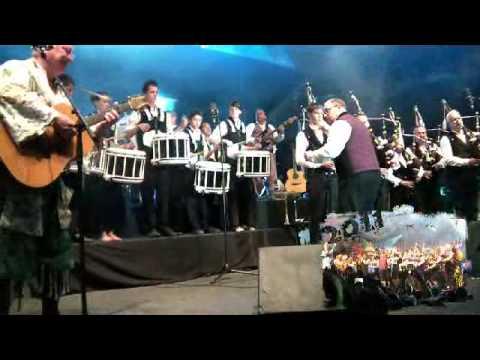 Tri Yann et le Bagad Nominoë - Divent an dour mp3