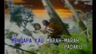 Yus Yunus feat Murni Chania Angkat Topi