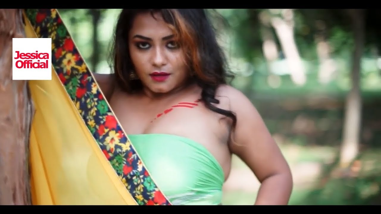 Download Saree Lover/Hot Beautiful Model in Green Bra(17/09/2019)