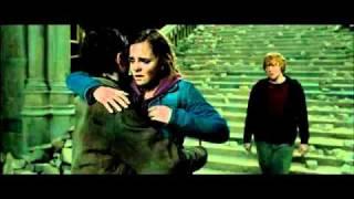 """Segui questo film sulla pagina ufficiale: http://www.facebook.com/harrypottereidonidellamorteit""""harry potter e i doni della morte"""", settima ultima avventur..."""
