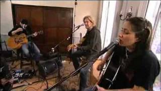 KT Tunstall & Daryl Hall [Part 3 of 5] - Black Horse and a Cherry Tree [Live From Daryl