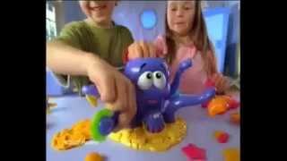 Пластилин Play Doh (Плей До)! Лепим осьминога! Видео инструкция!(Пластилин... Сколько радости дарит он детям! Сколько забавных и интересных поделок можно вылепить с помощью..., 2014-08-26T13:48:50.000Z)