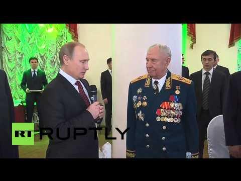 Russia: Putin honours last Marshal of the Soviet Union