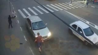 На улицах Москвы.беспредел на дорогах.махач